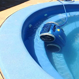 Reaction Pool Cleaning Robot